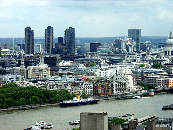 A look at the London sky line. The Seine River in the foreground is 485 miles long. - click thumbnail image to view full size image.