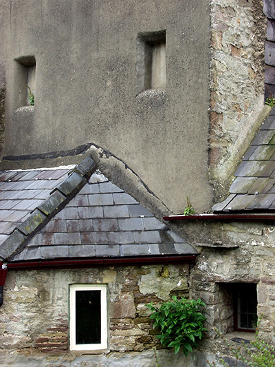 I loved the architecture of this cottage  - click thumbnail image to view full size image.