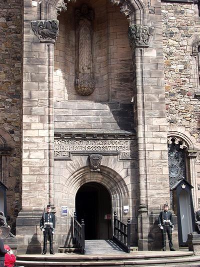 Edinburgh Castle - click thumbnail image to view full size image.