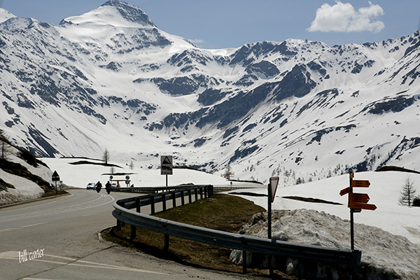 This pass is between Pennine Alps and Lepontine Alps and is one and a quarter mile high. - click thumbnail image to view full size image.